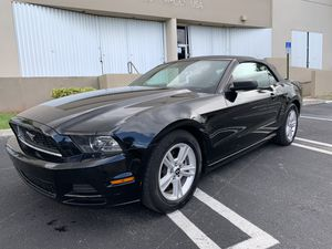 2014 Ford Mustang Convertible for Sale in Miami, FL