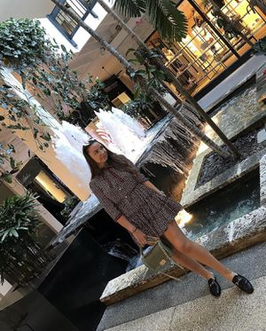 Dress by Gucci. Size M. Silk fabric. for Sale in Miami, FL
