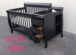 4 IN 1 CONVERTIBLE BABY CRIB WITH CHANGING TABLE 3 DRAWERS AND SIDE SHELF COMPLETE WITH MATTRESS for Sale in Houston, TX