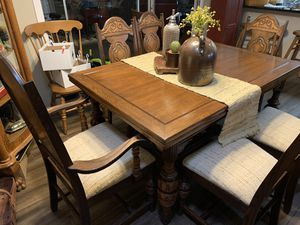 Dining table and chairs for Sale in Mesa, AZ