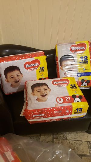 Huggies snug&dry size 6 diapers for Sale in Lawrence, MA