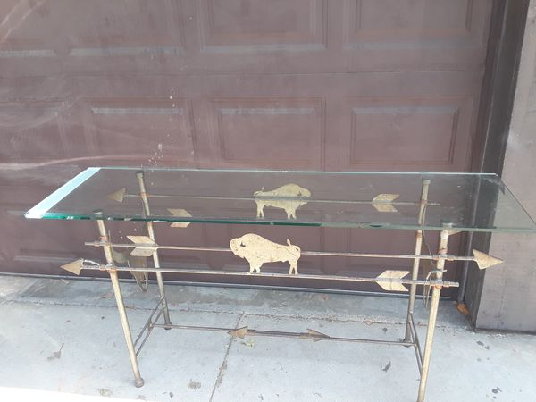 Western-style glass table