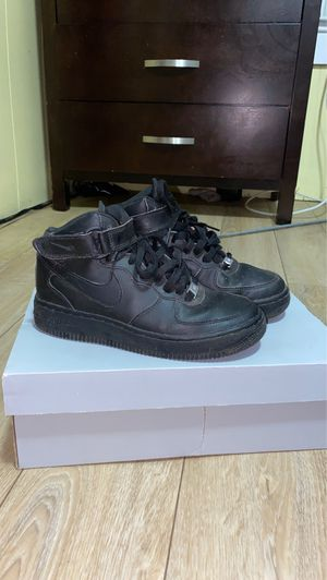 Nike Black Air Force 1 Mid Size 3.5 for Sale in Brockton, MA
