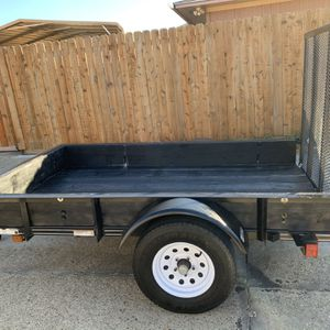 Trailer 5x8 Con Título Marca Natm for Sale in Irving, TX