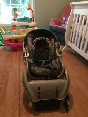 Baby boy car seat for Sale in Boiling Spring Lakes, NC