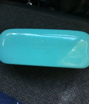 Kate spade sunglass kit tiffany. N co for Sale in Mesa, AZ