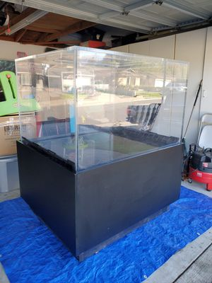 275 gallon fresh or salt water tank for Sale in Glendora, CA