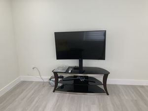 TV STAND w. Glass Shelves for Sale in Miami, FL