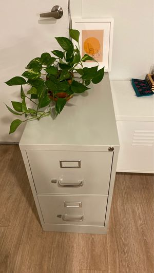 Filing cabinet, 2 drawers. for Sale in Portland, OR