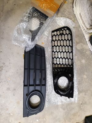 Audi a4 2009-2014 fog light lower grille new pair + extra for Sale in Des Plaines, IL