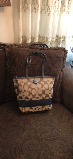 Coach bag very good condition for Sale in Lititz, PA