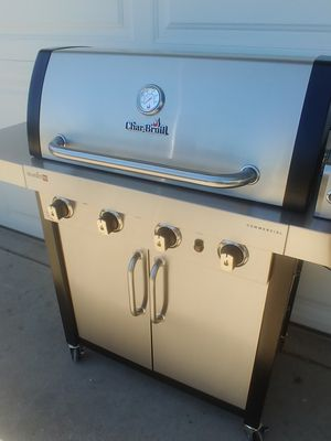 Char Broil Commercial Tru infrared BBQ Grill for Sale in Phoenix, AZ