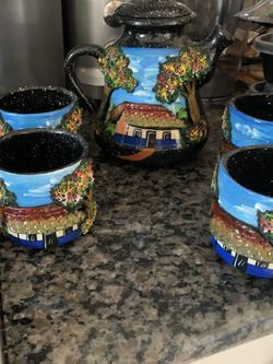 Costa Rican Coffee Holder With 4 Cups for Sale in Temecula,  CA
