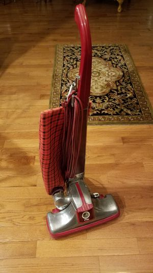 KIRBY CLASSIC III 2CB UPRIGHT VACUUM for Sale in Inwood, WV