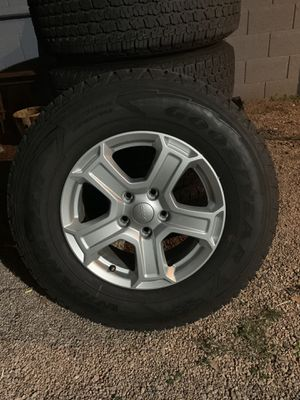 Jeep wheels a set of 5 for Sale in Mesa, AZ