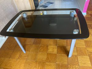 Dining table for Sale in Silver Spring, MD