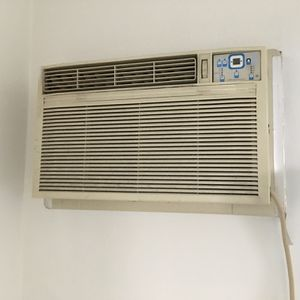 Air Conditioning Unit /w Heat for Sale in Los Angeles, CA
