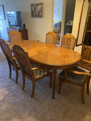 Table and China cabinet for Sale in Greenville, SC