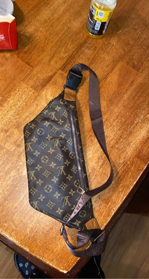 Louis Vuitton Fanny pack / Shoulder bag 2014 Milano editing for Sale in Austin, TX