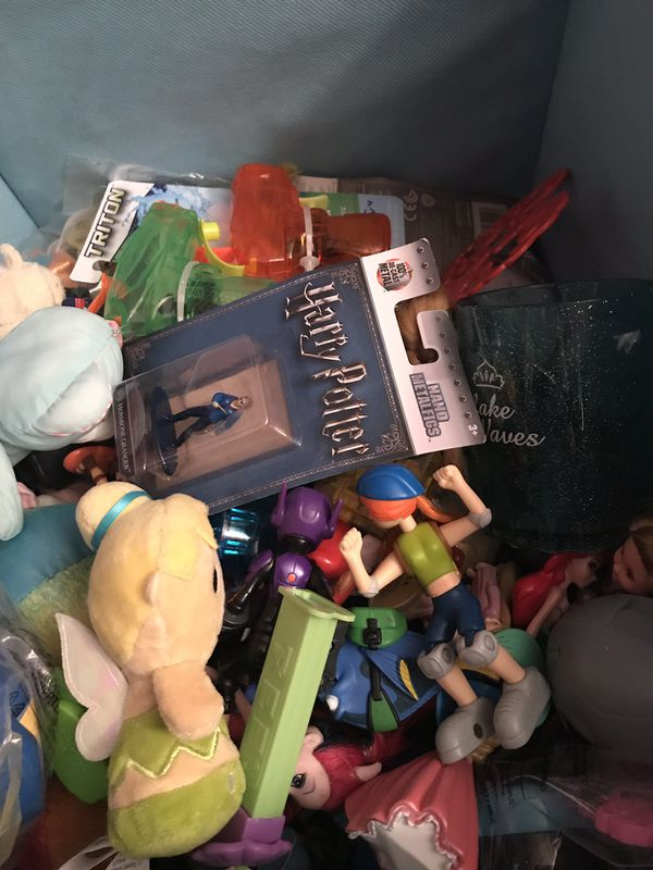 HUGE Mixed lot of toys action figures etc