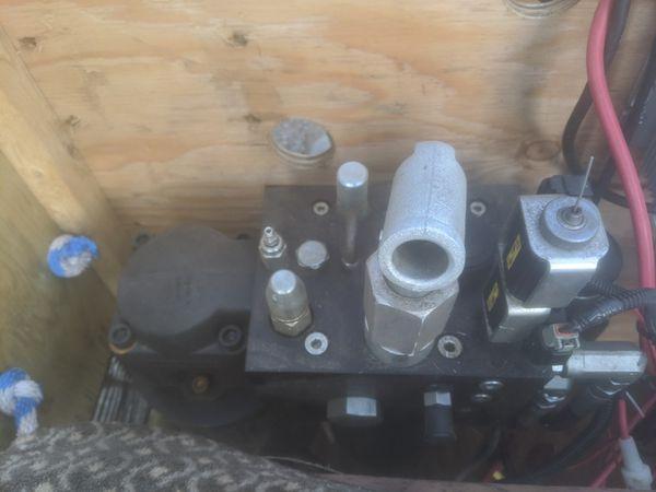 Custom 4500 psi Hydraulic Power Box 24v or 48v with 4 Optima Batteries