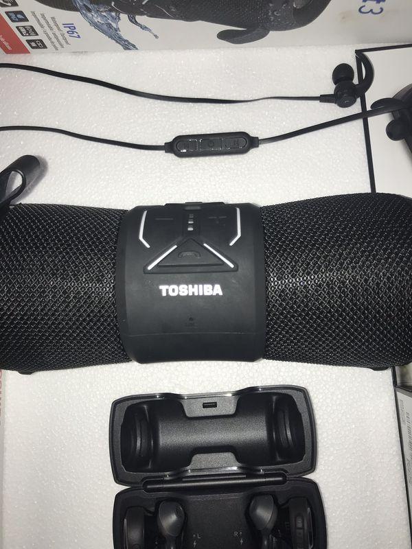 Bose SoundSport earbuds & Toshiba waterproof speaker