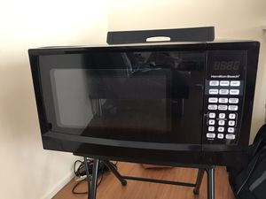 Hamilton beach microwave oven for Sale in Pasadena, CA