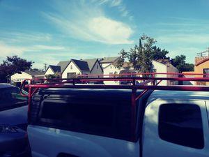 Camper 5pies ancho por. 75pugadas de largo for Sale in Lynwood, CA