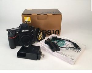 Like Brand New 1900 shutter count Nikon 810 with 70-200 vr lense for Sale in Irving, TX