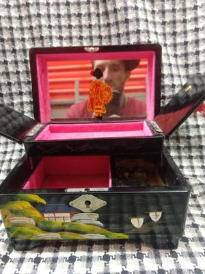 Wind up music box antique from china for Sale in Las Vegas, NV