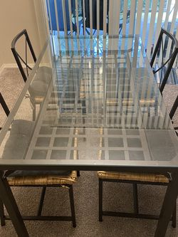 IKEA Glass Dining Table for Sale in Everett,  WA