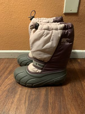 Sorel boots size 3 kids for Sale in Los Angeles, CA