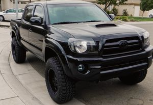 2007 Toyota Tacoma GOOD DEAL for Sale in Denver, CO