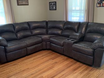Tambo Pewter Reclining Sectional /couch /Living room set for Sale in Austin,  TX