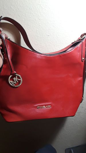 Michael kors hobo bag yes its real .never {url removed}. she didnt like the color 150 obo for Sale in Phoenix, AZ