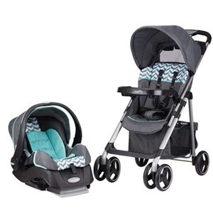 Car seat & stroller combo for Sale in Cashmere, WA