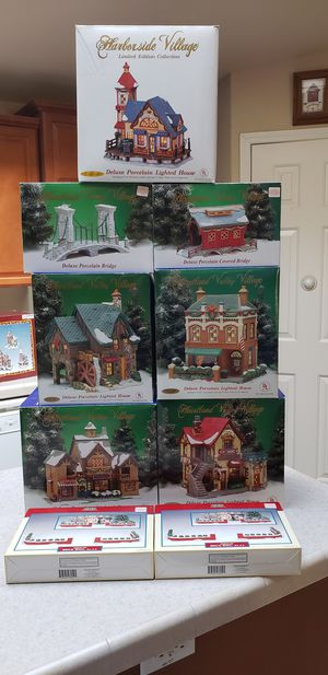 Christmas Village Set (9 pc) for Sale in Oregon City, OR