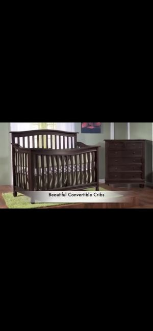 4 piece convertible crib set - Honey color for Sale in Littleton, CO