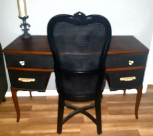 Gorgeous Antique Refinished Mahogany Vanity Desk w/ Chair ! DELIVERY AVAILABLE ! for Sale in Glendale, AZ