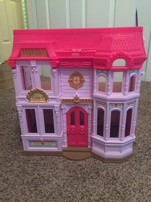 Doll House and Princess Figurines for Sale in Paragould, AR