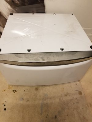 Laundry pedestal for Sale in Port St. Lucie, FL