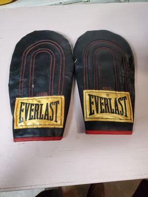 Everlast 43106 Everhide Speed Bag Gloves for Sale in Claremont, CA