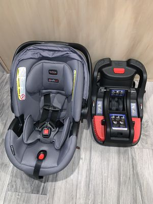 Britax B-Safe Ultra with TWO car seat bases! for Sale in Gilbert, AZ