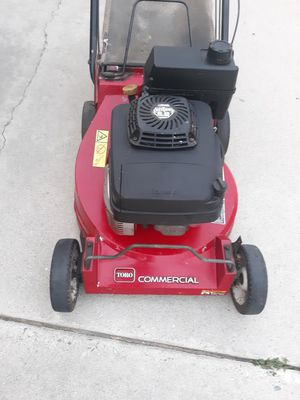Toro commercial lawn mower with kawasaki engine fj180v for Sale in Paramount, CA