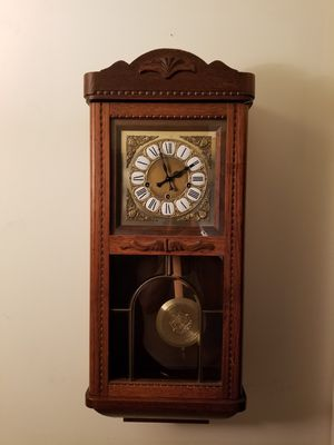 Antique pendulum key wind clock with triple chime. for Sale in Tinicum Township, PA