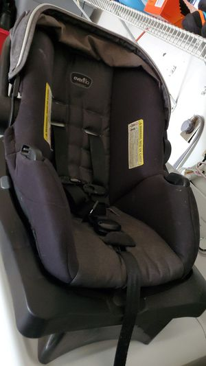 Evenflo baby car seat for Sale in Beaumont, TX