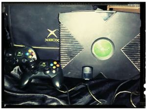 XBox original excellent condition two controllers and all the cords and bag to store it in for Sale in Salt Lake City, UT
