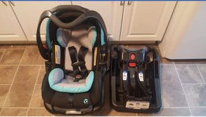 BabyTrend Carseat for Sale in Green Bay, WI