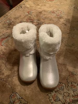 BRAND NEW Osh Kosh Girl's boots sz 11 for Sale in Menifee, CA
