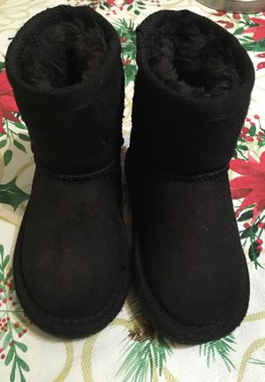Boots for toddlers girl size 5 for Sale in March Air Reserve Base, CA